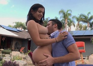 Keisha Grey promulgation her big juicy ass