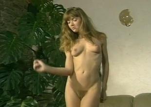 Amanda as Kelly