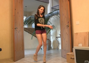 Stripping teen Rachel does a fun little dance while ribbing their way body