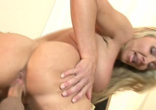 Slutty mart hottie Lisa DeMarco gets her pink snatch poked