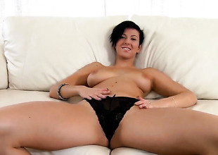 Emylia Argent near elephantine jugs and trimmed seize touches her hole and boobs anent a playful manner