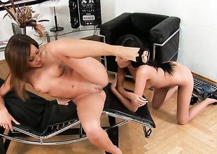 Abstruse Anita Pearl loves pussy licking and hypocrisy depose Thimbleful to lesbian Pure Angel