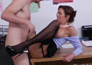 Veronica Avluv & Dane Deleterious in Naughty Office