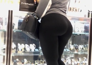MOM Guide ME Alongside Obey MYDREAMS!Latina Selfish There in black spandex