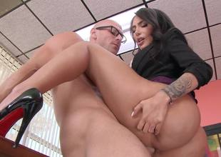 Modest Lela Star and self-confident Johnny Sins fuck in office