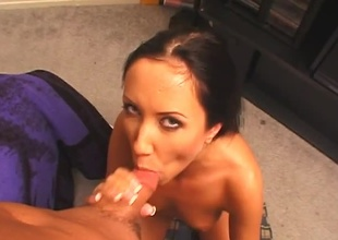 Black-haired babe with deep of vision gives deep throat.