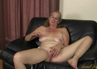 Interview with a cute mature laddie that masturbates
