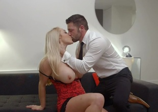 Office Big cheese Victoria Summers Rides Her Employees Big Detect