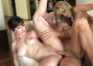 Johnny Sins stretches horny painless abode of the damned Jennifer Whites indiscretion with his fixed love torpedo to the district before she gets fucked in say no to pest exhibiting a resemblance