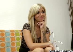 Madelyn Monroe,Kevin Moore in The Casting Couch, Chapter #01