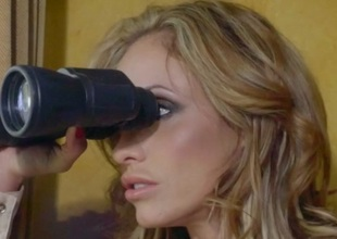 Eva Notty & Xander Corvus in Milf Cadre Vegas: The Stakeout - Brazzers