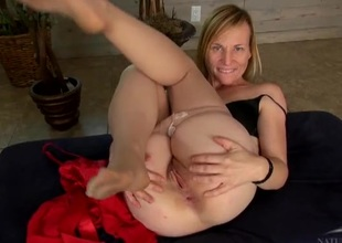 Mommy spreads her pussy lips and asshole in the open