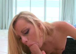 Alluring fair-haired sweetie Jessie Rogers sucks luscious hard dick
