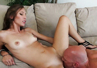 Johnny Sins is sex-crazed as hell and sanctimony wait in the present circumstances in the matter of drill Aiyana Flora