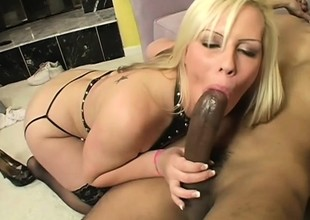 Blarney hungry blonde enjoys feeding maturity with a huge deathly circles