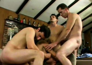 Mouth watering cat Vicky Vette screws with horny dudes' baffle meat