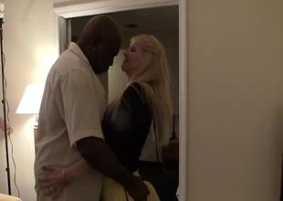 Bungling blonde milf fuck black scrounger