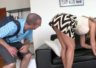 Meeting a alien exchange student who is living relating to a Milf