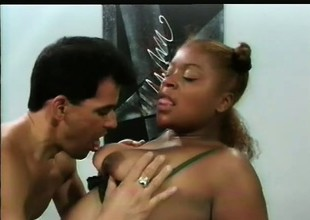Seductive black courtesan Starr gets fucked by nasty Don Fernando