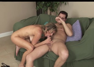 MILF LIKES YOUNG COCK!!!