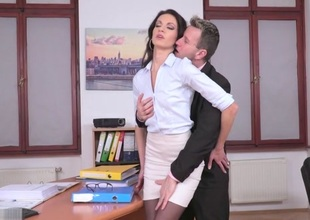Linda Moretti & Csoky Ice be hanged Affairs - 21Sextury