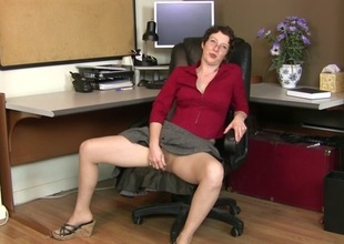 Artemisia in Office Blues - Anilos
