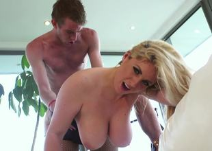 A chesty milf is exposing her erotic bits since she wants close to repugnance humped