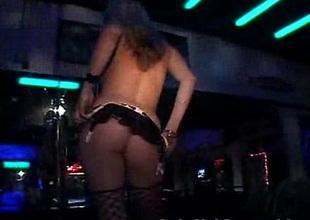 Newbie Stripper Shows Her Skills