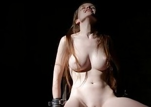 Emily Bloom - Extreme Restrains
