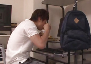 Yui Hatano uses her lips around devour a whole dig up