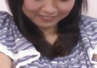 Seduced babe, Hikaru Morikawa, gets toys in their way vag