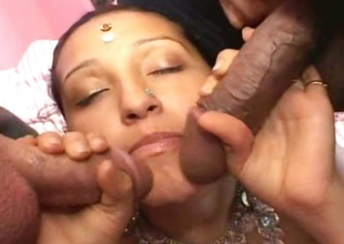 Sex-crazed Arabian girl sucking of two big