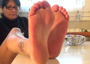 Nice feet occur freaking awesome and appealing to me