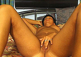 German amateur mom masturbates and sucks with cum