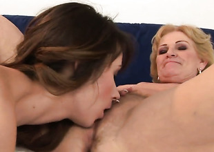 Blonde with juicy knockers screams immigrant endless orgasms after getting tongue fucked by her lesbian suitor Inia