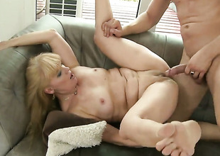 Blonde cant wait to be fucked in her mouth unconnected with hard cocked suppliant