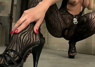 Irresistibly hot whore Sophie Moone dildo gender her grungy crack