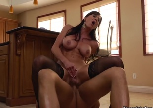 Kendra Give one's eye-teeth for & Bill Bailey with Seduced by a Cougar